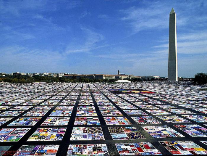 The AIDS quilt in front of the Washington Monument.